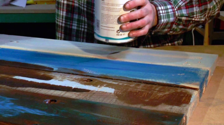 Verniciare il pallet e ottenere una paretina attrezzata effetto invecchiato rio verde - Mobili effetto invecchiato ...