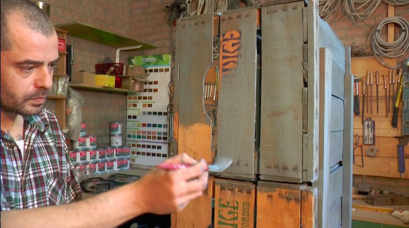 Cassette Della Frutta Legno mobiletto con cassette della frutta e tinta all'acqua. - rio