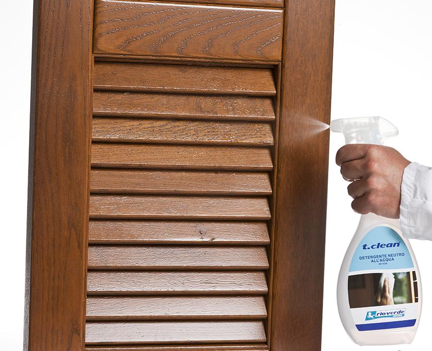 Pulire finestre in legno scopri come mantenerle sempre nuove rio verde - Pulire porte legno ...