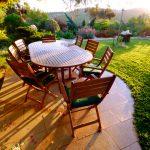 verniciare-mobili-giardino
