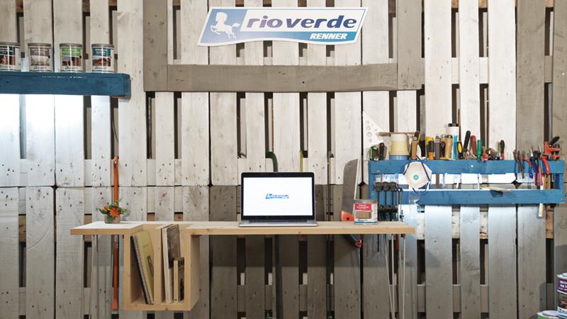 scrivania in legno 1