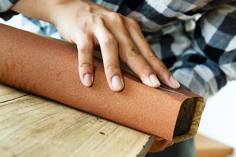 verniciare il legno già verniciato
