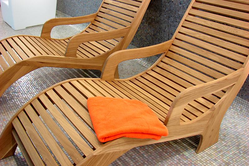 smalti e impregnanti per mobili in legno da esterno