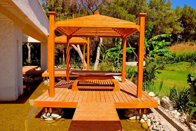 le vernici per mobili da giardino
