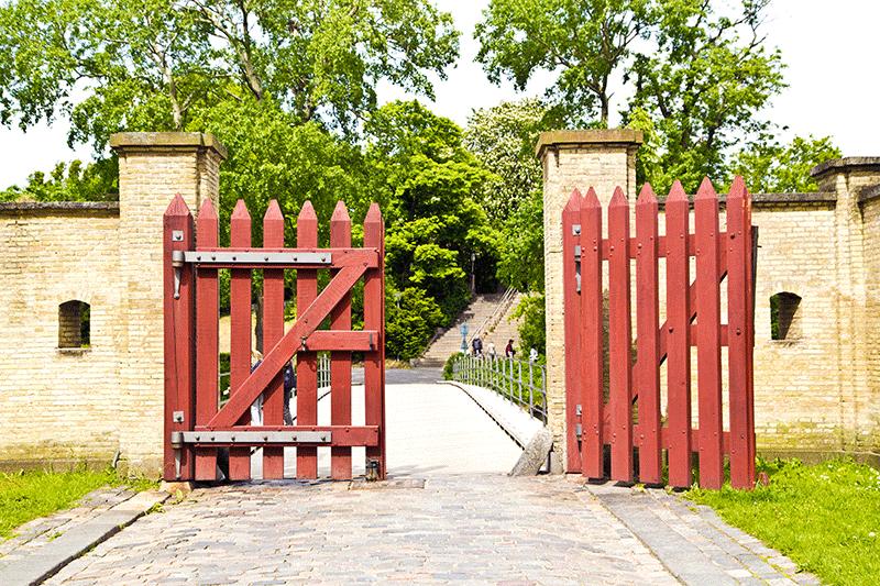 Cancello in legno fai da te great ringhiera in legno da - Cancelletto in legno per esterno ...