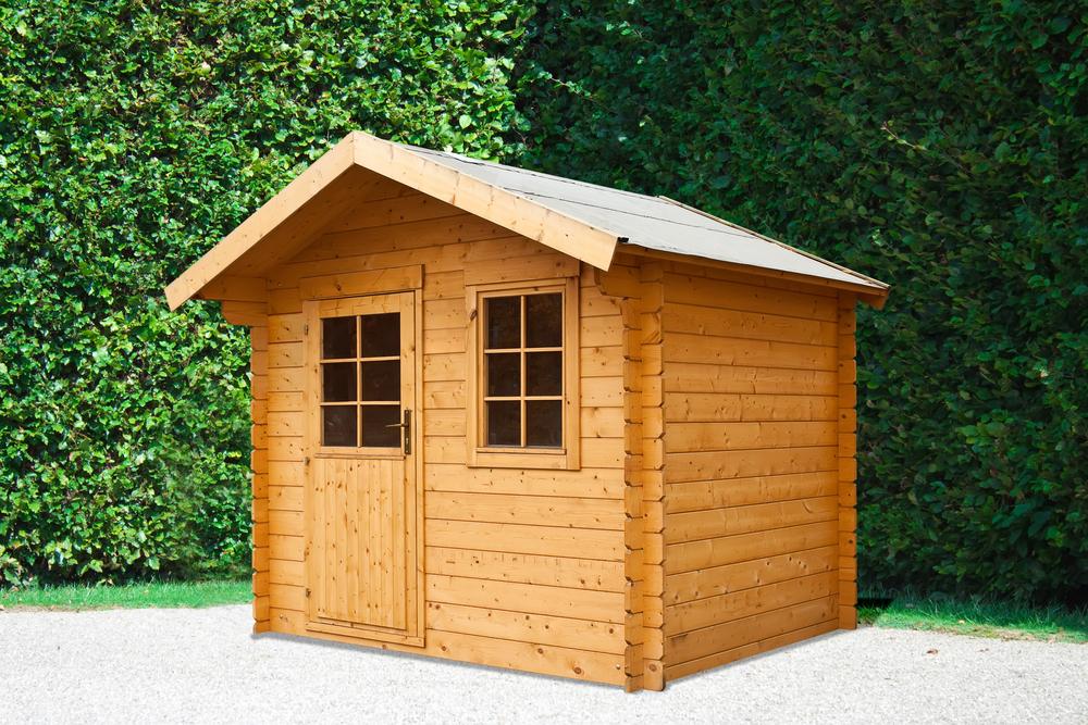 Casetta In Legno Giardino : Verniciare una casetta di legno con gli impregnanti all acqua