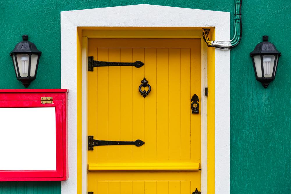 Come verniciare le porte in legno da esterno e interno  Rio Verde