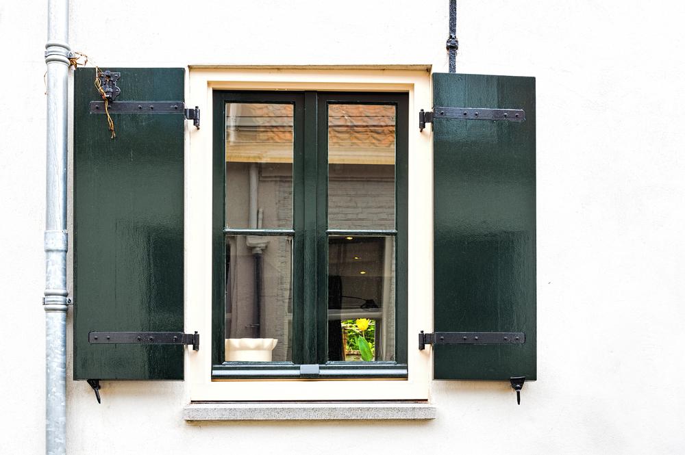 verniciare finestre e infissi in legno non degradati