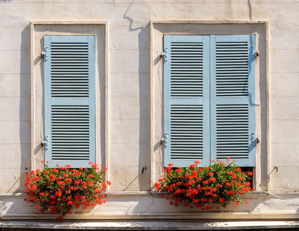 Come verniciare finestre e infissi in legno prodotti e modalità ...