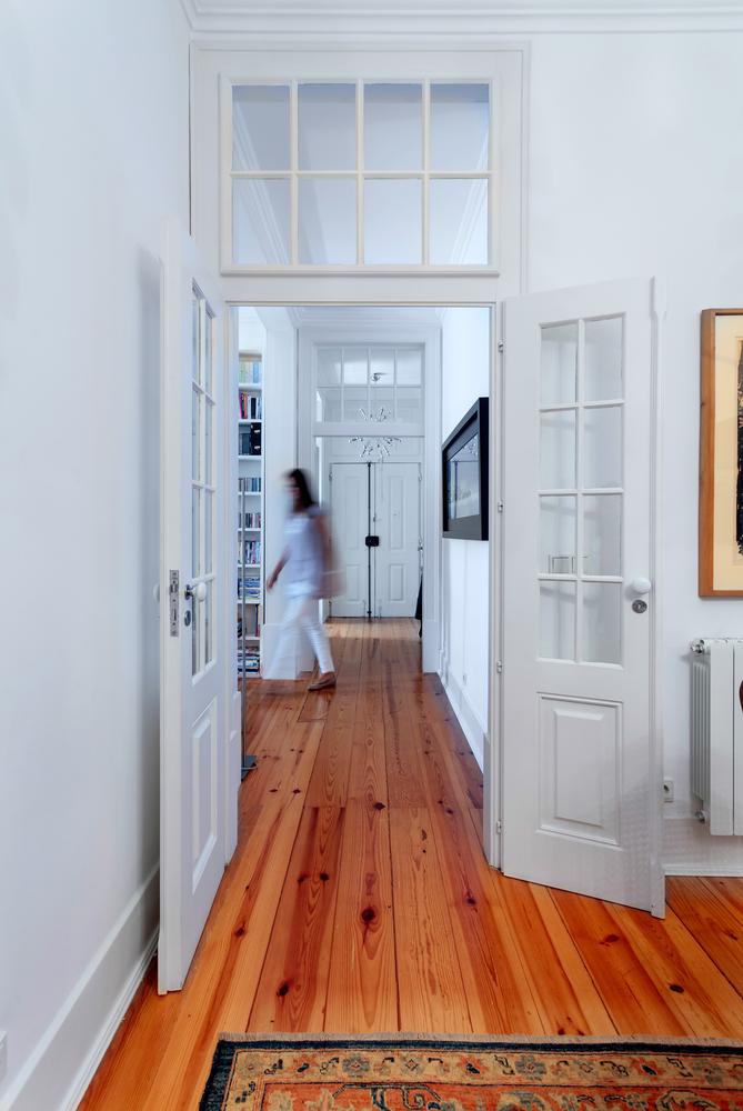 Come verniciare le porte in legno da esterno e interno - Pitture da interno ...