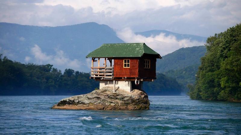 case in legno sul fiume