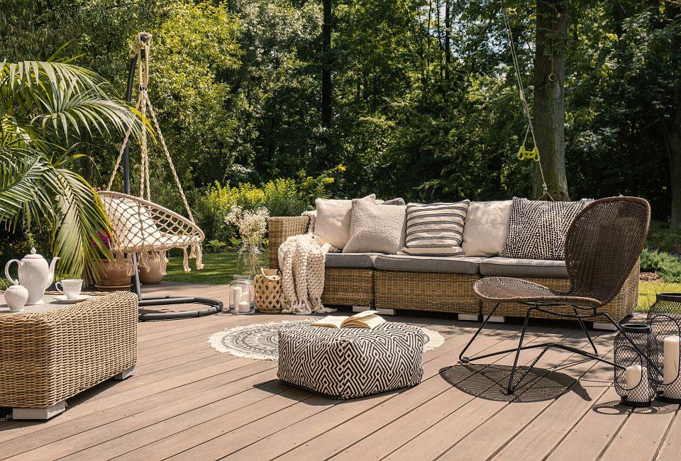 Vernici per legno da giardino, perfette per il mobilio outdoor