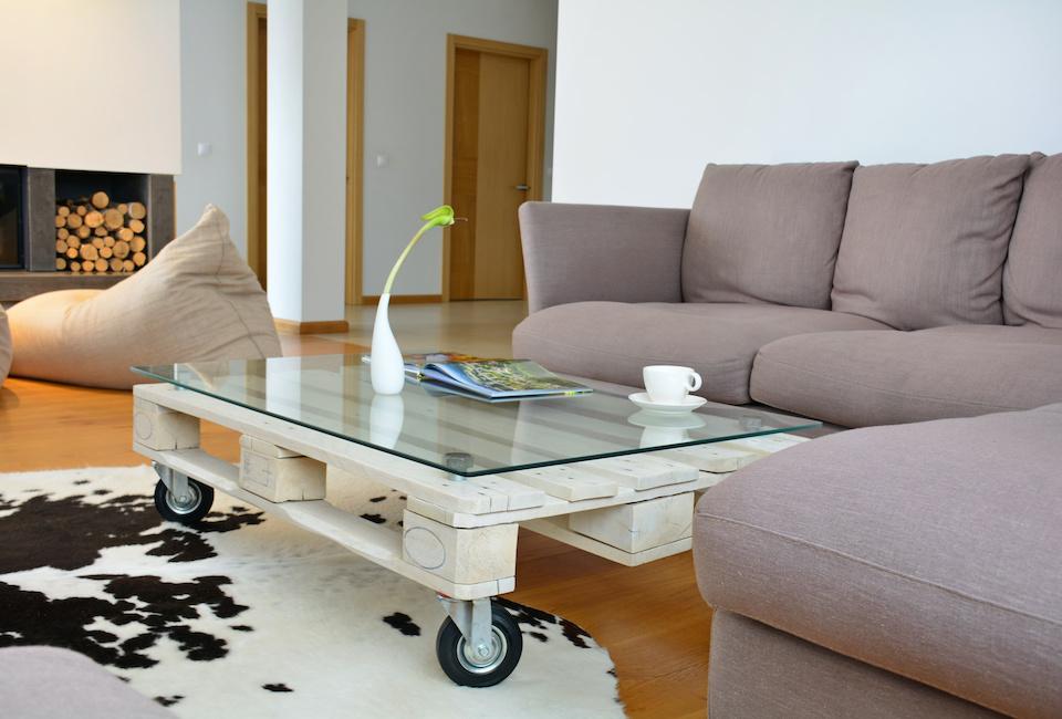 Tavolino da caffè realizzato con un pallett
