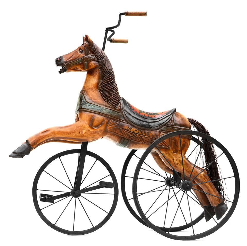 Evoluzione del cavallo a dondolo: il triciclo