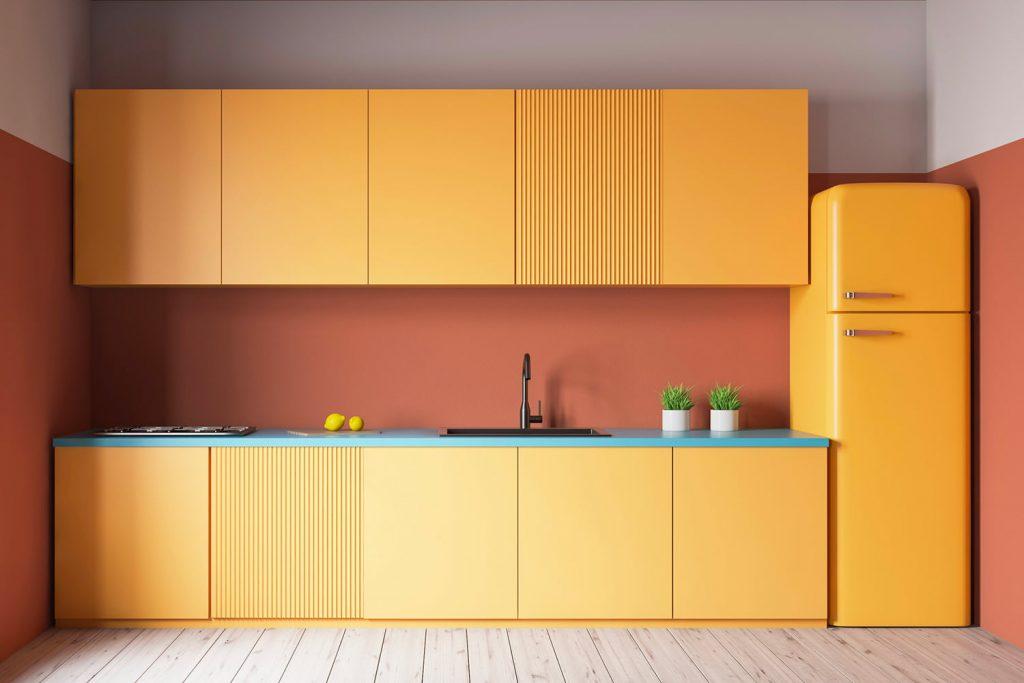 Come verniciare un frigorifero: tono su tono
