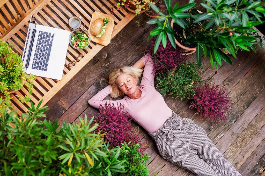 Arredare terrazze e balconi all'insegna del verde