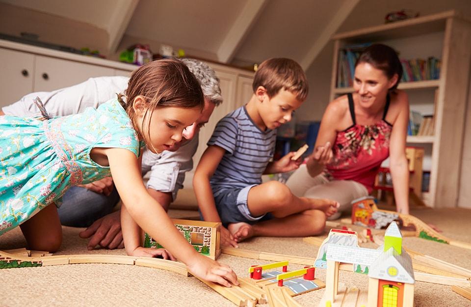 Una mansarda diventa camera per i bambini